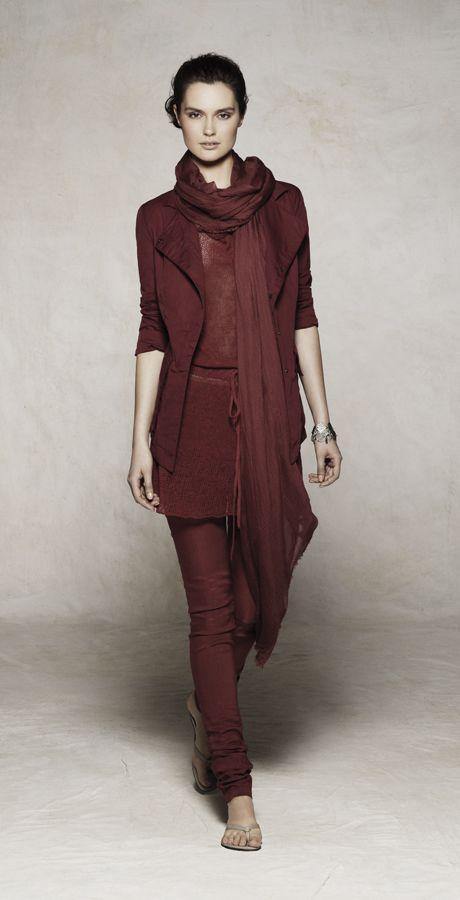 The 7 exclusive journal Sarah Pacini, collection pret à porter printemps/été 2012.