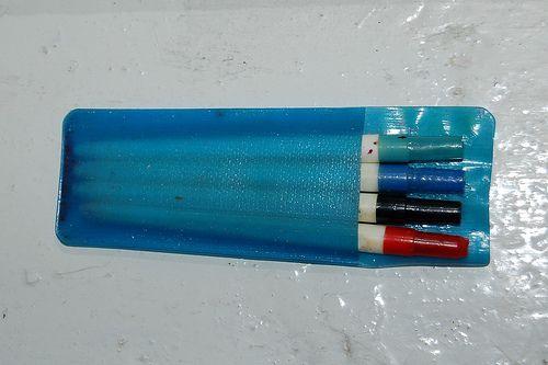 самый популярный набор шариковых ручек четырех цветов. Цена набора 1 р 40 коп