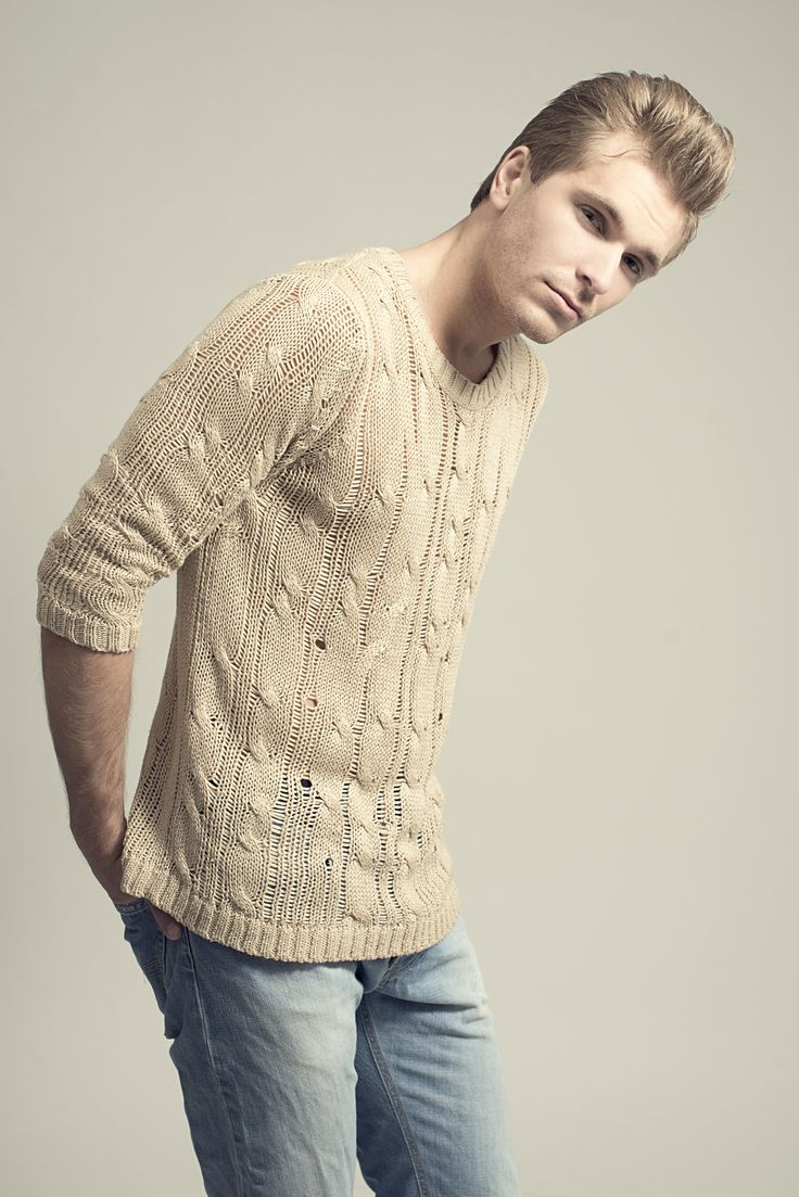 Fotograf Lars Evensen / Photographer Lars Evensen   Second hand fashion . Fretex Oslo Norway Studio Photography . Fashionphoto  Pose Male Model  Makeup Styling hair