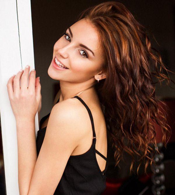Galina Dub Is A Pint Sized Beauty  Photos