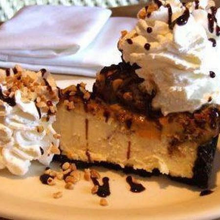 CHEESECAKE FACTORY SNICKERS CHEESECAKE!!!!!!!!!!!!! YUUUUUUUMMMMMMYYYYY!!!!!!!!!!!