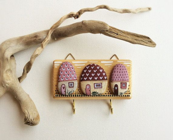 Wall hanging key in wood with Mini Houses painted on stones Funny and lovely homeware There are 2 hooks below the 3 houses useful for hanging keys,
