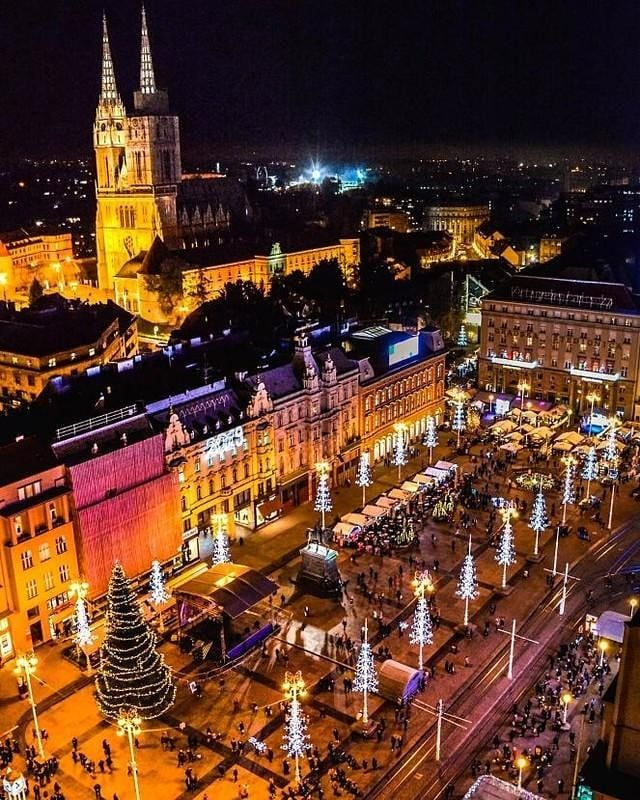 Advent In Zagreb By Brunofantulin Photography Advent In Zagreb Voted The Best Christmas Market In All Of Euro Christmas Market Best Christmas Markets Zagreb