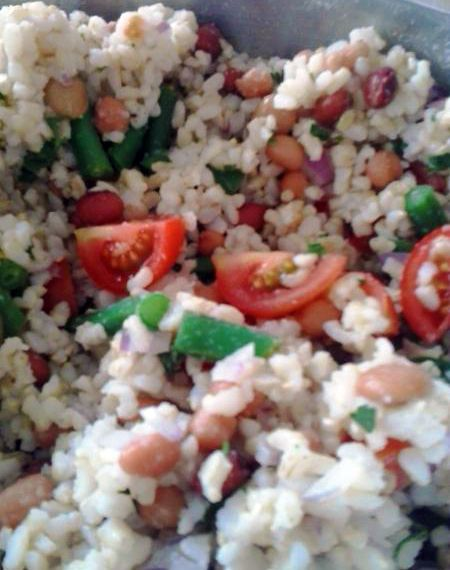 Another delicious high-fibre meal from Tracey: brown rice salad with 3 bean mix, tomato, parsley and mustard dressing.