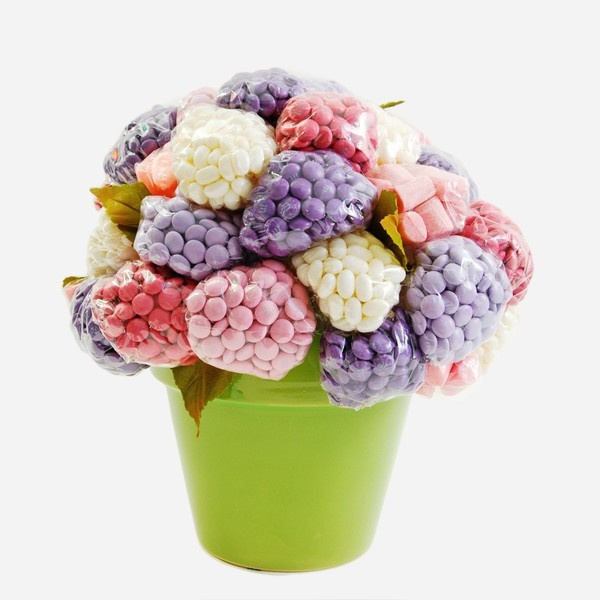 Candy Flowers Great for party favors - each guest leaves with a flower