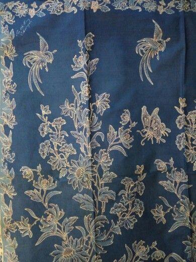 Vintage batik Pekalongan buketan bunga pagi sore.