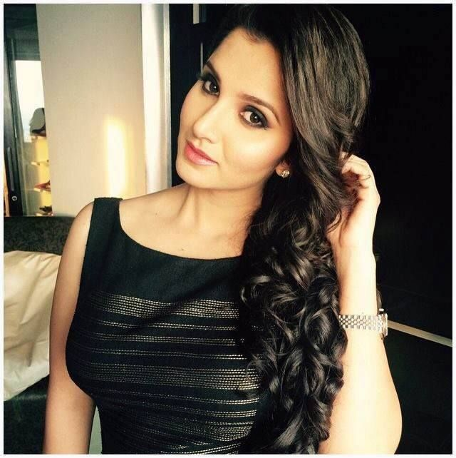 Ravishing Sania Mirza #spotted in a stunning #ShantanuNikhil black dress.