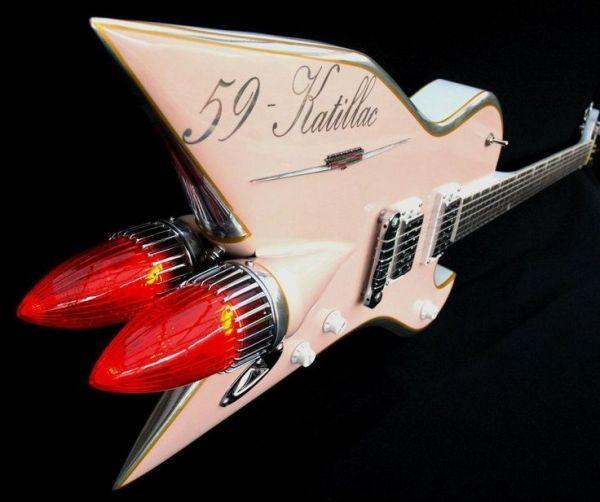 As guitarras de Ali Kat são feitas com partes de carros antigos