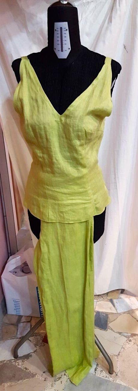 Prenota on line e indossa presso Atelier Alta Moda Lady R di Rosina Mosca a Napoli (a fianco alla CCIAA). Paghi in cassa scontato