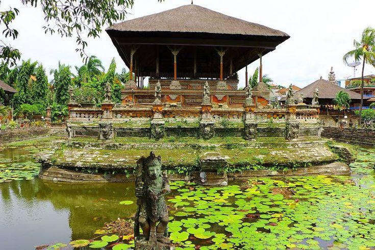 Kerta Gosa pavilion, in Klungkung Palace, Bali