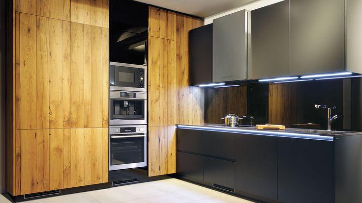 Nem tudod eldönteni, hogy milyen legyen a konyhabútorod stílusa? Fogalmad sincsmilyen színeket szeretnél? Annyi minden tetszik, hogy nem tudsz választani? Vagy éppen ellenkezőleg: mindenben találsz kivetnivalót? Mielőtt elindulnál, hogy az üzleteket felkeresd,érdemes kipróbálnod…