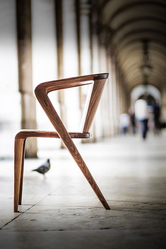 AROUNDtheTREE | NaturalDesign is a Portuguese Furniture Design Brand, exclusive and hand crafted , that inhales inspiration from nature to create design models, with a strong heritage from the portuguese cork and wood. FROM PORTUGAL TO THE WORLD …