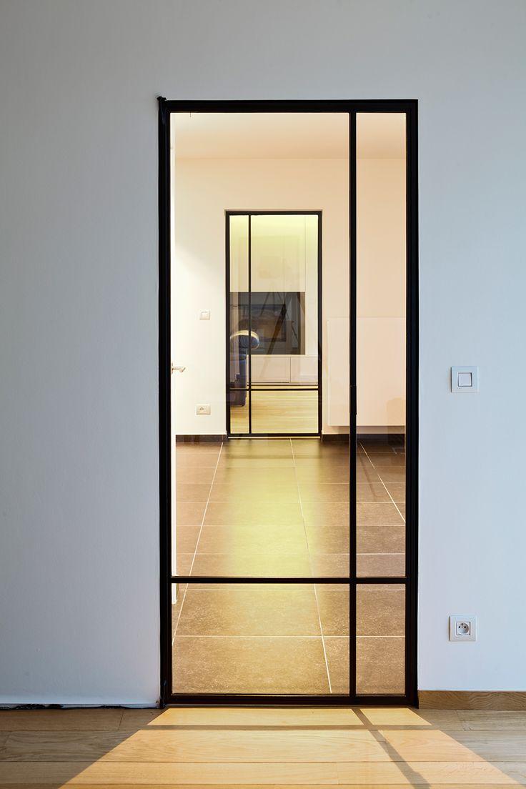 25 beste idee n over schuifdeuren badkamer deuren op pinterest badkamer deuren schuifdeur en - Afscheiding glas keuken woonkamer ...
