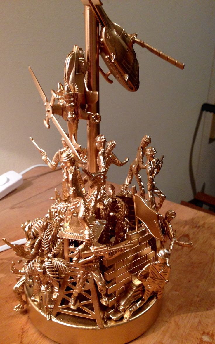 Toy Soldiers lamp