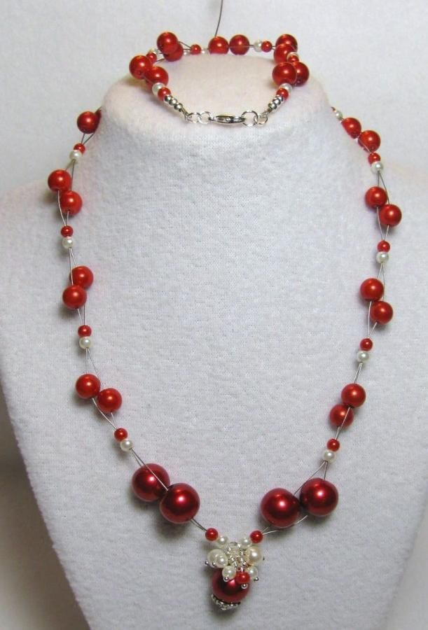 Pearls of Christmas - Jewelry creation by Linda Foust