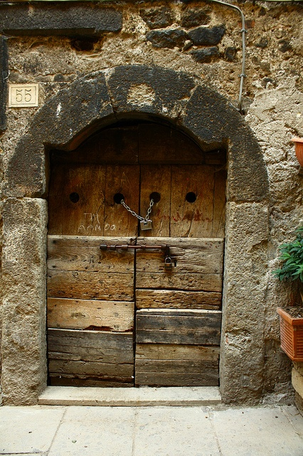 17 best images about stone wall on pinterest wooden for Door of stone