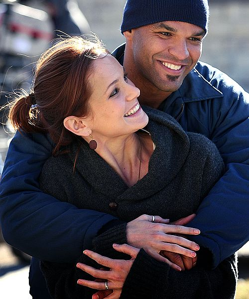 CUTE FRIENDSHIP ON SET.....SARA AND AMARY ON PRISON BREAK....this is so cute!