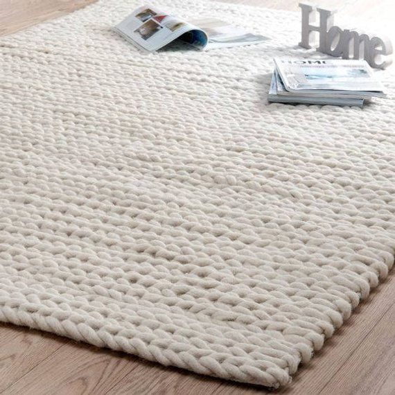 Large Blankets Giant Knit Blanket Xxl Blanket Knitted Carpets Large Rugs Giant Knit Merino Wool 2019 Eine Riesige De Beige Carpet Rugs On Carpet Carpet