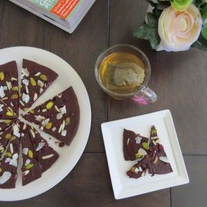 How to Make a Dark Raw Chocolate Pizza