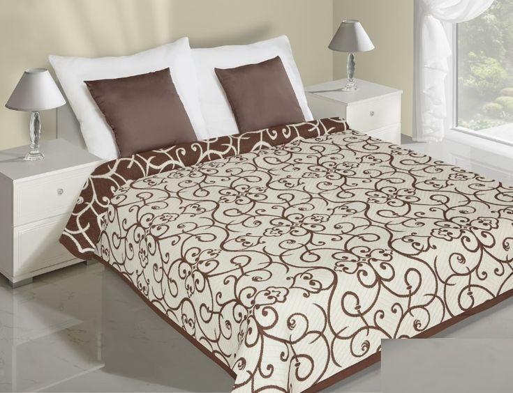 Krémově hnědý přehoz na postel oboustranný květiny
