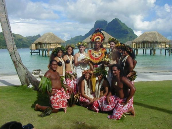 Since Tahiti is a nature blessed spot with silvery white sandy beaches bordering the natural salt water resources, so beach wedding is definitely an active wedding type here. It will surely be your dream beach wedding in Tahiti, with nature at its best. There are numerous beach wedding venues in Tahiti. Even the resorts arrange for their own private beach weddings.