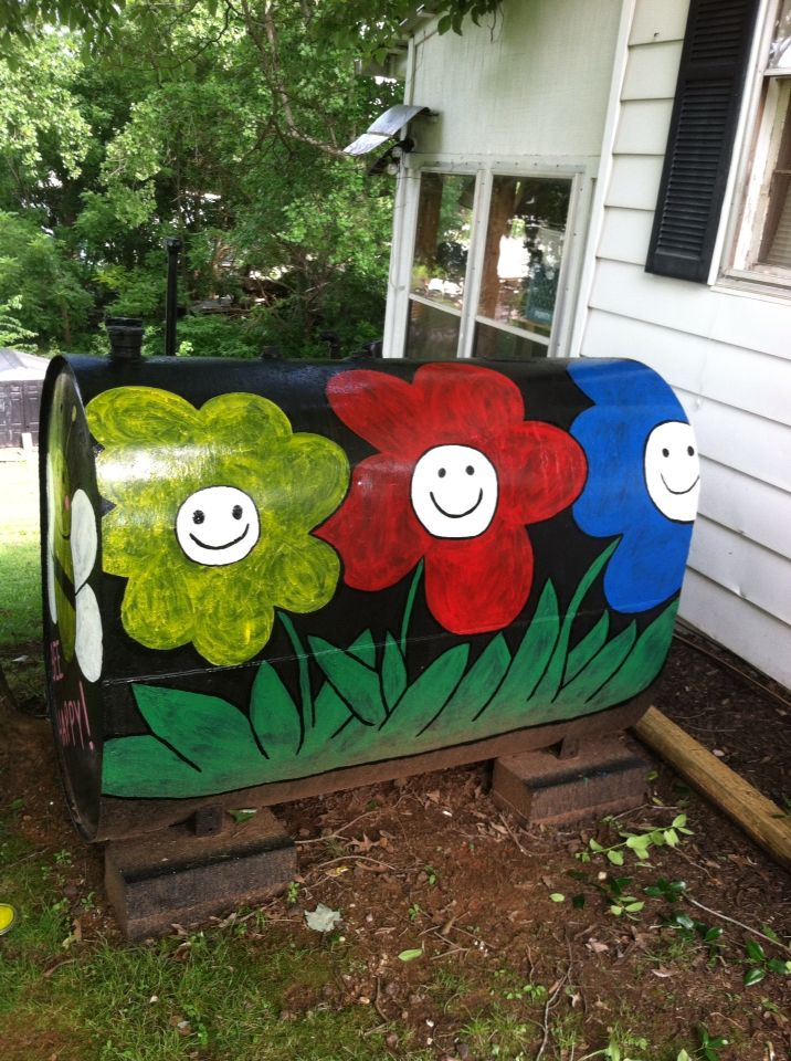 37 best images about propane tank decor on pinterest for Best paint for yard art