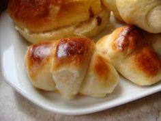 Premessa: è il pan brioches più soffice che abbia mai fatto, sembra zucchero filato, non solo per la dolcezza ma per l'effetto nuvola! E p...