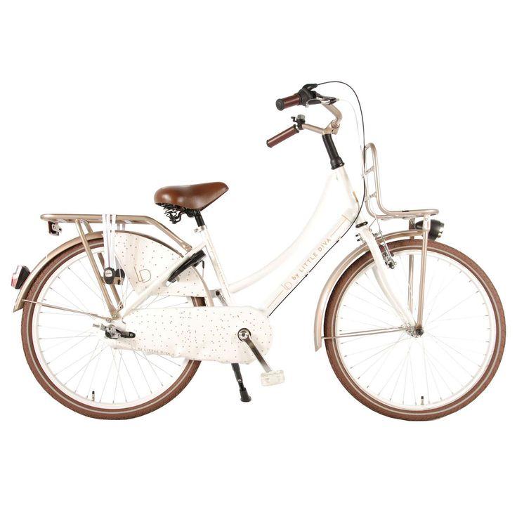 """LD Kinderfiets Little Diva 24"""" champagne Wit  Description: De Little Diva 24 inch is een fantastische transportfiets in het wit met bruine kleuraccenten voor schoolgaande jeugd. Met de Shimano Nexus 3 versnellingen en draaischakelaar schakel je moeiteloos een versnelling hoger of lager en fiets je altijd lekker licht en in de juiste versnelling. Het stalen oversized frame is uiterst stabiel en op de bagagedrager met snelbinders of voordrager vervoer je makkelijk je school- of sporttas. Ook…"""