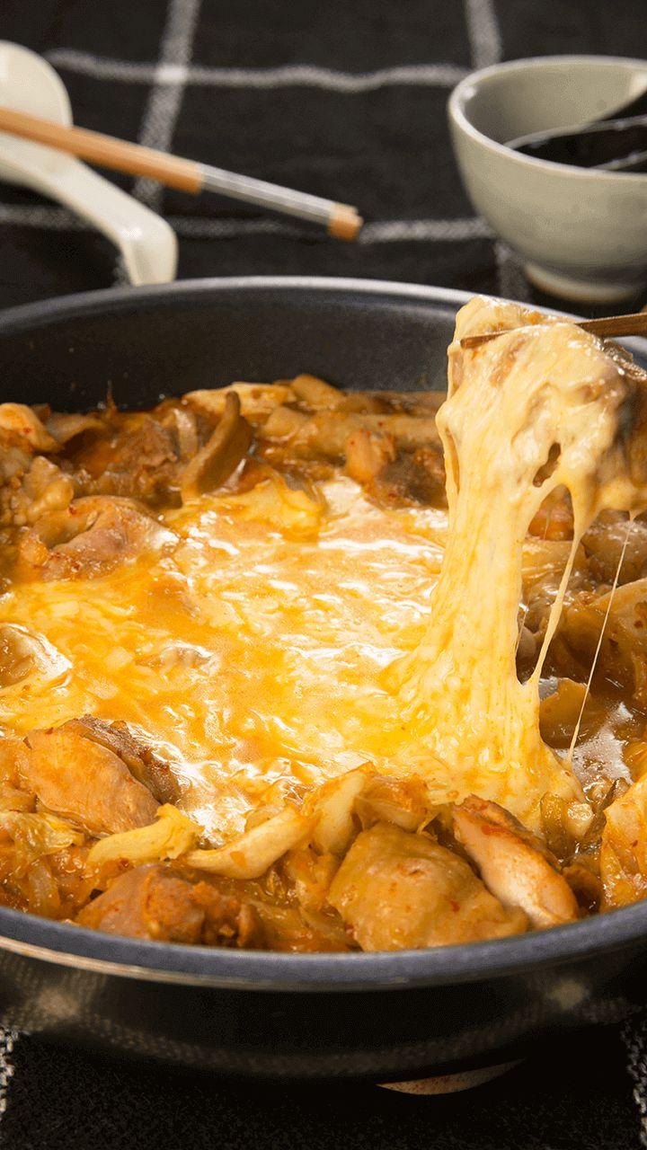 今年の流行語大賞「インスタ映え」☆このチーズダッカルビも「インスタ映え」で流行ったメニューのひとつではないでしょうか♡今回はチーズダッカルビの後も楽しめるのびーるチーズリゾットも合わせてご紹介!