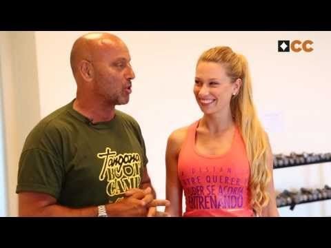 """La modelo chilena Dominique Tampier ya sabe que """"La distancia entre querer y poder se acorta entrenando"""" Mira su entrenamiento junto al personal trainer Daniel Tangona."""