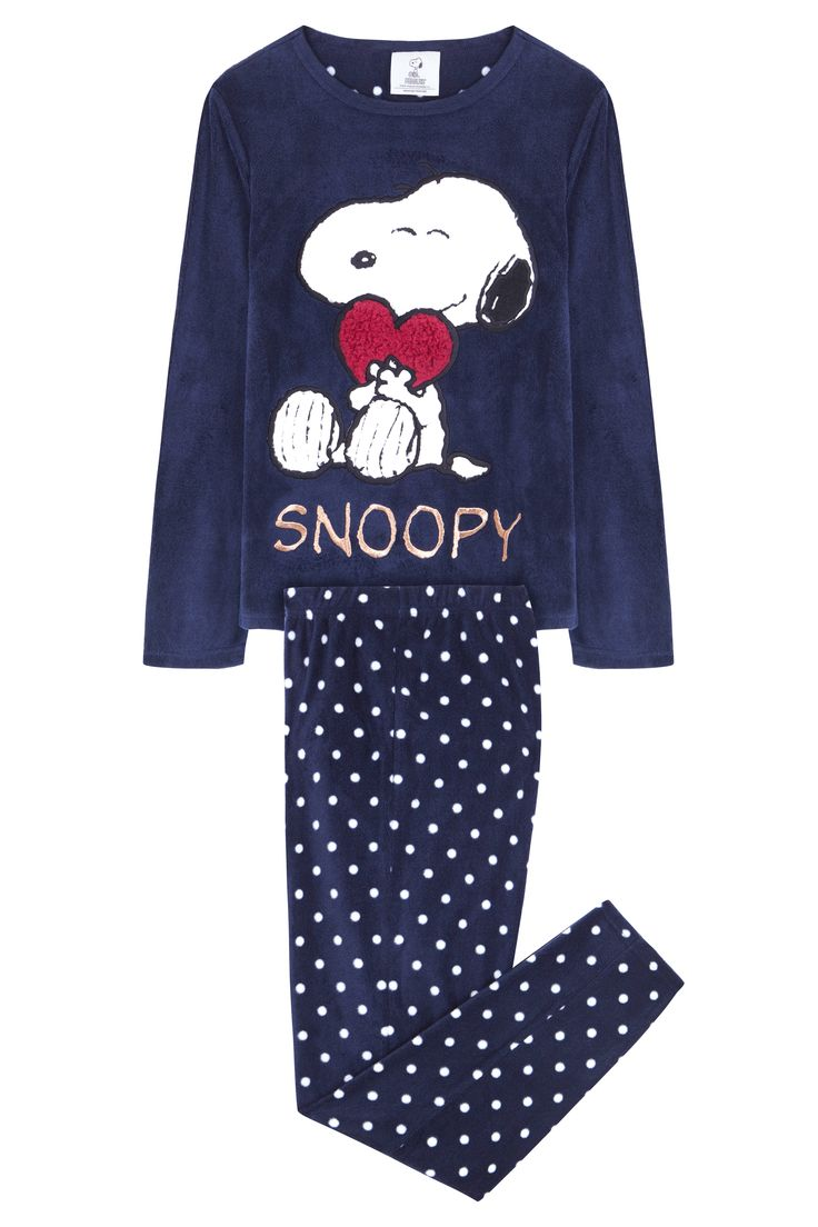 Snoopy & Woodstock Women's Pajamas. Cozy cotton PJs feature iconic characters Snoopy and Woodstock as they enjoy outdoor fun in the snow. Loose-fitting, long-sleeve print top pairs up with relaxed flannel pants for charismatic style and comfort that lasts.