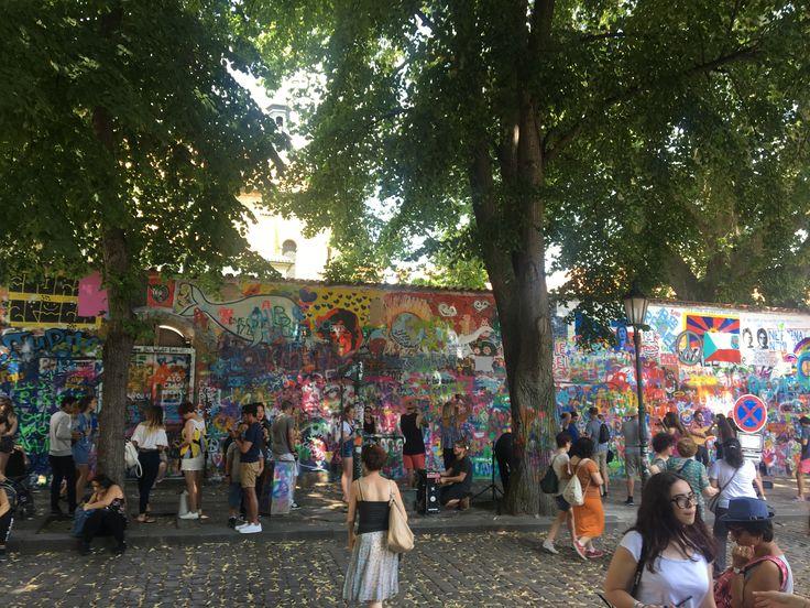 존레논 벽,  어떤 상징 ?!  #떼아모프라하 #존레논벽 #프라하투어 #시티투어 #teamotour