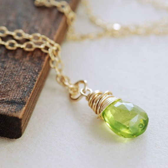 Auguest Birthstone Necklace Peridot Jewelry Green por aubepine