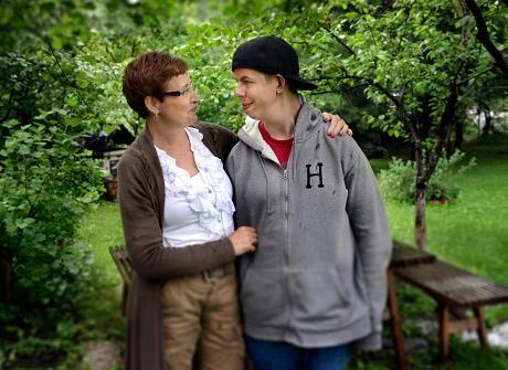 Marjukka Havumäki joutui kertomaan pojalleen Kallelle, ettei kehitysvamma lähde aikuisena pois.