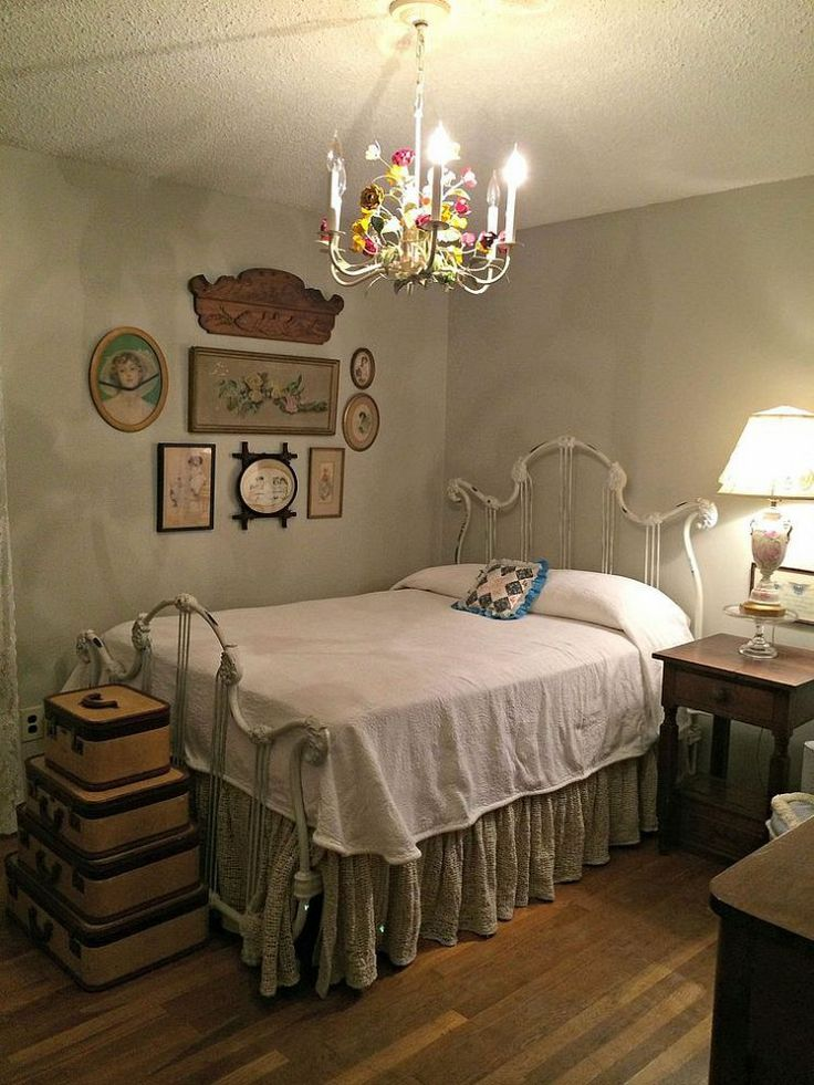 90 best images about old iron beds on pinterest iron bed 15572 | ec3fc25b5d603595b18cf6b0f1910bc0 favorite paint colors vintage bedrooms