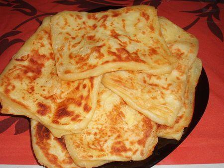 Msemens : sorte de galettes feuilletées salées du Maghreb, on adore !