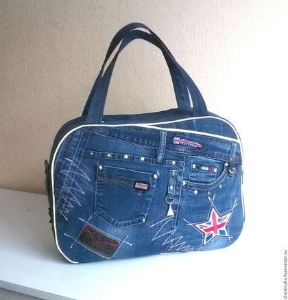 Купить или заказать Сумка джинсовая дорожная England в интернет-магазине на Ярмарке Мастеров. Вместительная женская сумка подходит как для недальних поездок (по размеру ручной клади), так и для занятий спортом. В сумке с наружной и внутренней стороны есть карманы на молнии и открытые. Декоративная отделка машинной вышивкой привлекает внимание. В единственном экземпляре!
