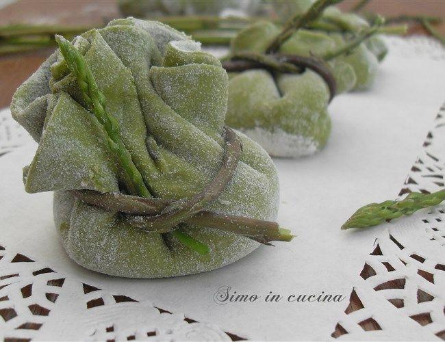 Fagotini con ricotta e asparagi