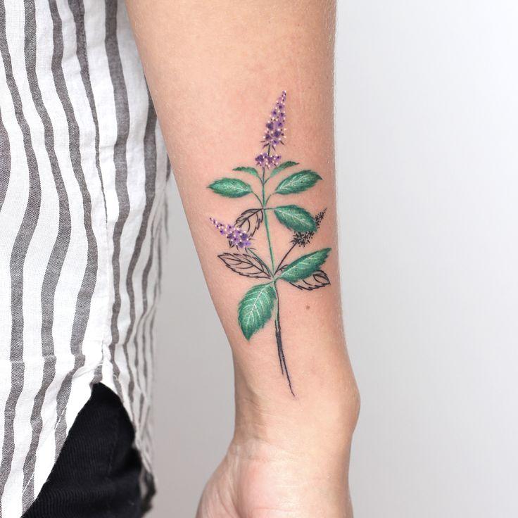 "319 Likes, 12 Comments - valeria fukunaga (@valeria_fukunaga) on Instagram: ""Menta peperina estilizada para Juli 🌿 en @wouldtattoostudio #valeriafukunaga #art #tattoo #ink…"""