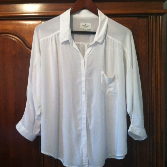 American Eagle white batwing top American Eagle white button front top. Batwing style sleeves. Soft 100% viscose flowy material.  Shoulder to hem is approx 26 inches. American Eagle Outfitters Tops
