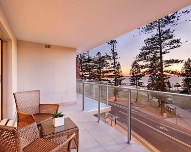 2/7 The Strand, Dee Why - Sold By - Simon Carroll 0424 590 974