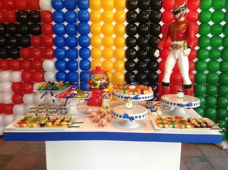 Power rangers party ideas candy table at a power rangers for Table 52 naples