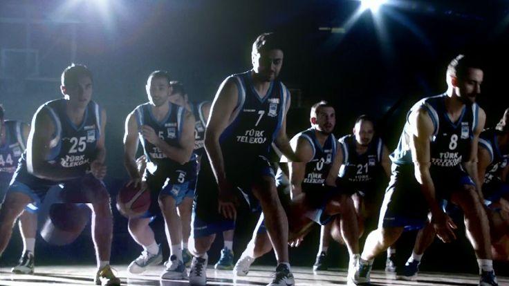 """Türk Telekom'un Mavi Kaplanlar Basketbol Takımı için yeni bir reklam filmi çekti. """"Bastır Hadi"""" sloganıyla çekilen film, yılın en iyi reklamı olmaya aday. #turktelekom #bastirhadi #mavikaplanlar #reklam"""