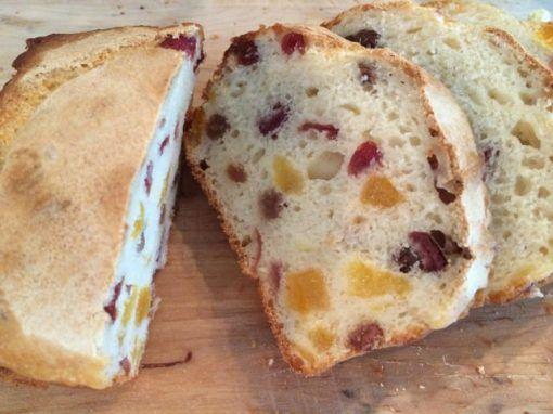 Recept: vruchtenbrood met yoghurt | eethetbeter.nl