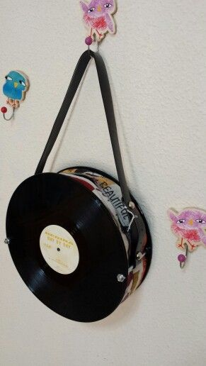 17 best images about bolsos con discos on pinterest - Manualidades con discos ...