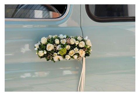Auto matrimonio, decorazioni floreali