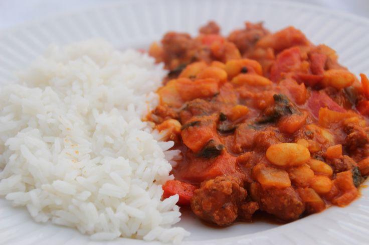 witte bonen met gehakt, tomaten, groenten en kruiden