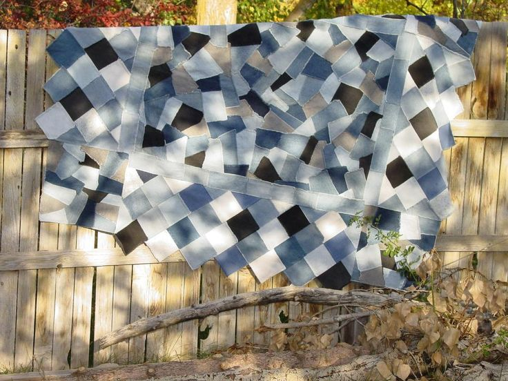 Crazy Denim Quilt Pattern...maybe for Jake's quilt? I love the overlapping craziness of the middle, and the narrow border. I would still want it to be quilted, however.