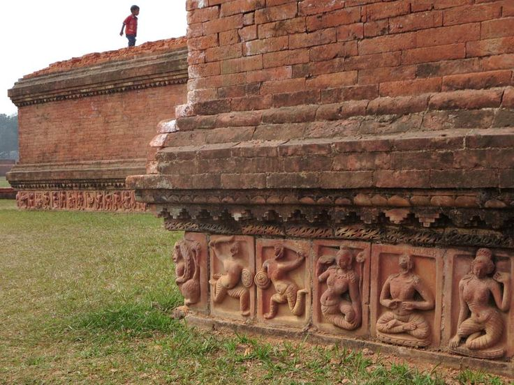 Terracotta plaques at the base of the 8th century Somapuri Mahavihara at Paharpur, Bangladesh, carry images of mythical creatures and people.