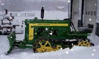 JOHN DEERE 420 Crawler/Dozer http://egardeningtools.com/product-category/snow-removal/